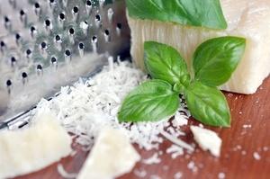 Parmesan Grana Padano Reibe