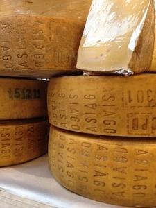 italienischer Asiago Käse