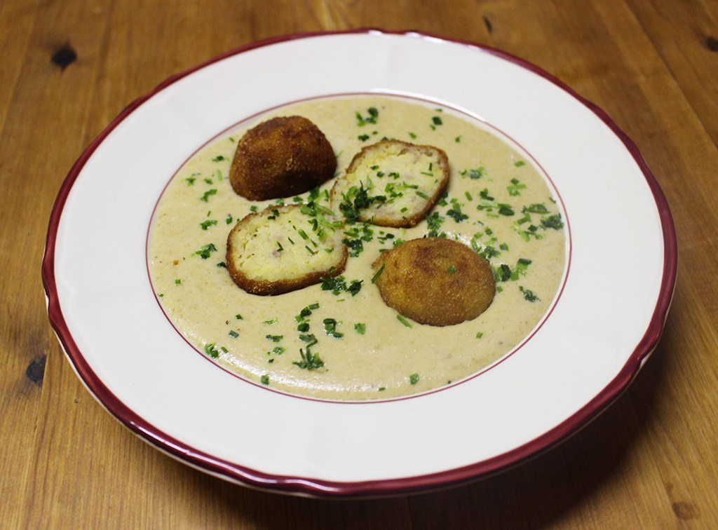 Maronensuppe mit Parmesan Kroketten