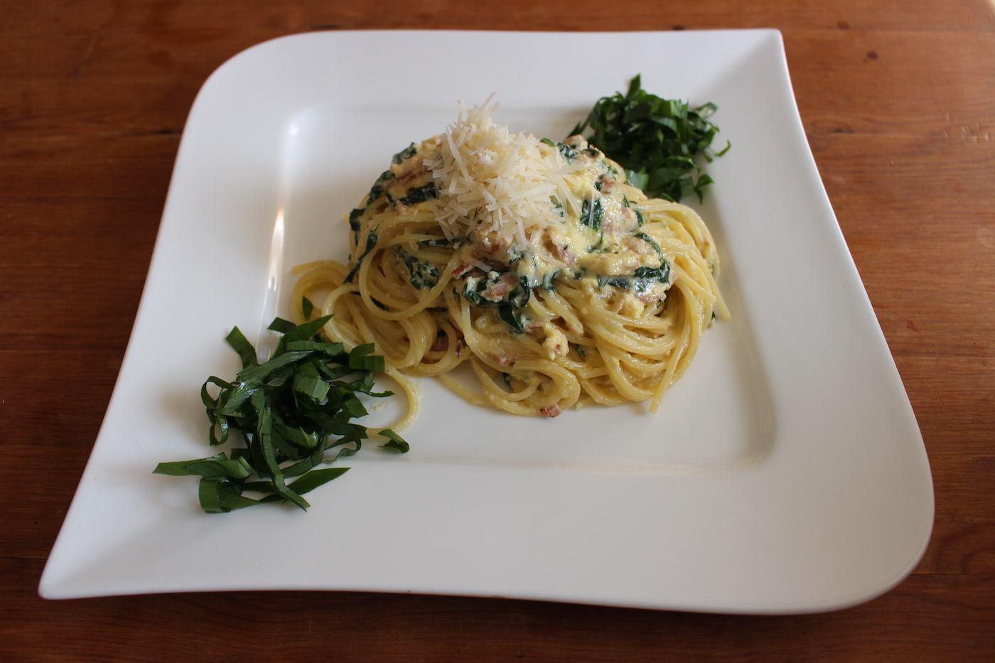 Spaghetti alla Carbonara mit Bärlauch
